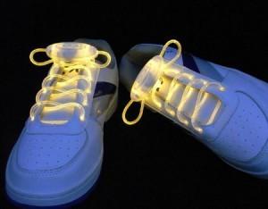 Leuchtende LED Schnürsenkel!