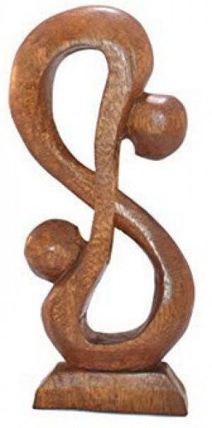 eine abstrakte Holzfigur