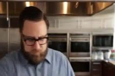 wie man Knoblauch in 10 Sekunden schält