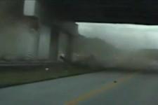 ganz böser Crash auf der Autobahn