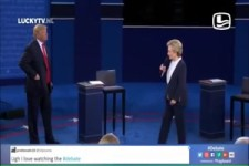 Trump und Hillary singen Time of my Live