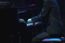 Ohne Finger Klavier spielen