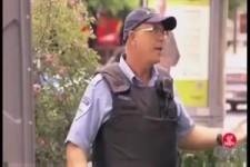 Versteckte Kamera - Zange zweckentfremdet