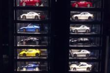 Genialer Auto-Verkaufs-Turm