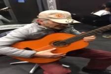 Der Gitarren-Opa