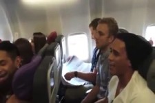 Ständchen im Flugzeug