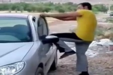 Kurz ein Auto öffnen