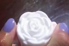 Schaum in Rosenform