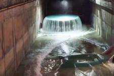 Wenn die Turbine eines Wasserkraftwerks abgeschaltet wird