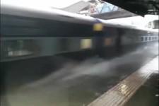Ziemlich viel Wasser am Bahnhof