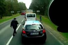 Müll aus dem Auto werfen-geht gar nicht!