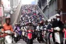 Ziemlich viele Mopeds
