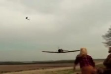 Messerschmitt Bf 109 und ein Mädchen