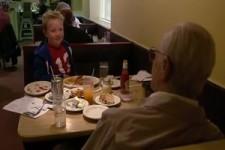 Mit Opa im Restaurant
