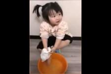 Suesse Kinder in China