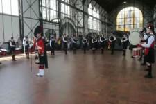 Schottische Musiker spielen Steiger-Lied in ...