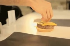 Was hinter den Kulissen eines McDonald s Werbefotos....