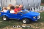 Hoppalas-mit-Eltern-und-Kindern.mp4 auf www.funpot.net