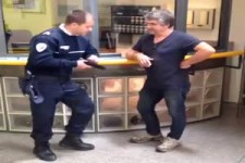 Trottl der Polizist...
