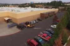 Klaue niemals einem Jeepfahrer den Parkplatz