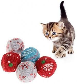 Weihnachtskugeln für die Katze!