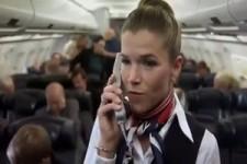 Anke Engelke als Stewardess
