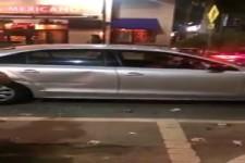 Betrunkenes Girl zerstört ein Uber....