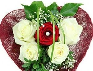 Blumenstrauß - Ein Herz aus Edelrosen!